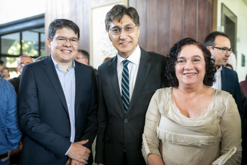 Silvio Carlosm Hugo Figueiredo e Lucia Siebra