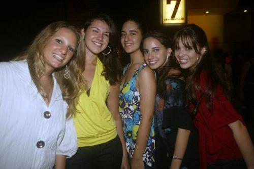 Isabel Camilo, Mariana Marcos, Sara Maia, Camila Mustafa e Beatriz Gama