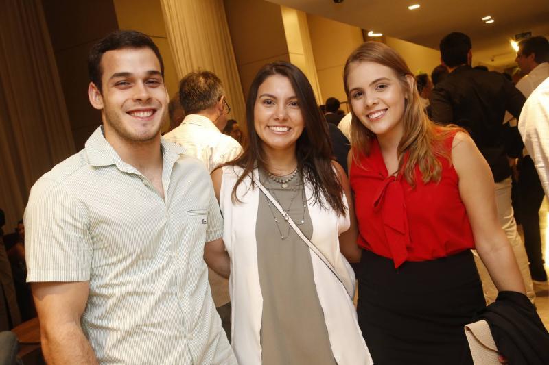 Vitor Leitao, Beatriz Holanda e Mariana Lima