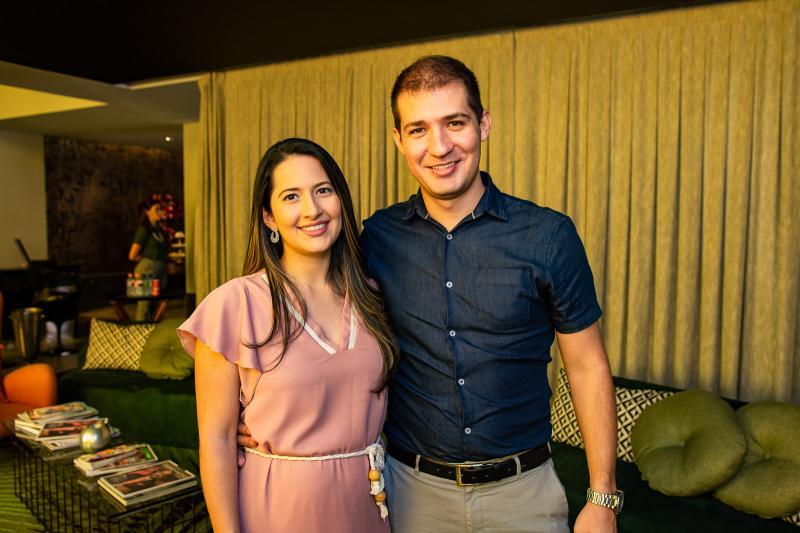 Janaina Vasconcelos e Vicente Gifone