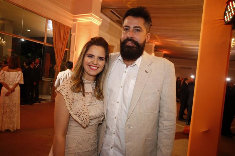 Amanda Fonseca e Caio Napoleao