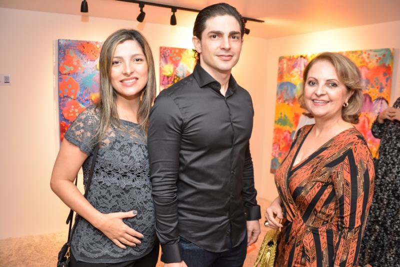 Natalia, Jonatas e Adelia Magalhaes