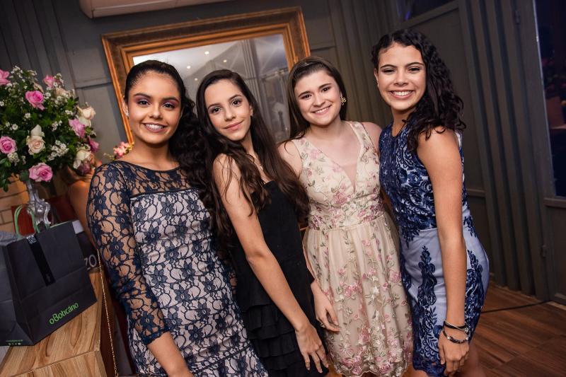 Marina Alencar, Ana Clara, Ana Lopes e Bruna Figueiredo