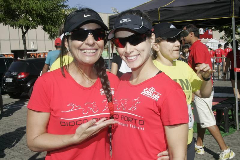 Teka Barreira e Jessica Oliveira
