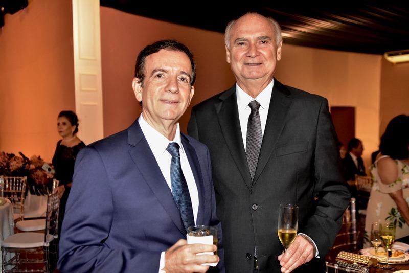 Orlando Pontes, Roberto Pinto