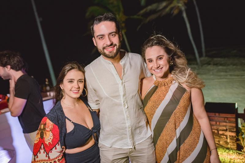 Juliana Lima, Victor Oliveira e Roberta Fernandes