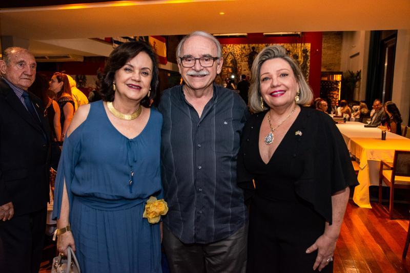 Leninha Soarez, Ednilton Soarez e Fernanda Carapeba Jensen