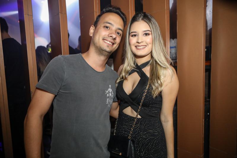 Lucas Veras e Vitoria Viana
