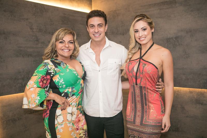 Tea Moreira, Flavio Ribeiro e Jessica Muller