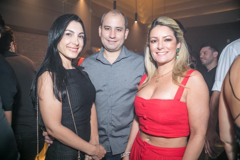Daniele e Andre Linheiro, Tatiana Lina