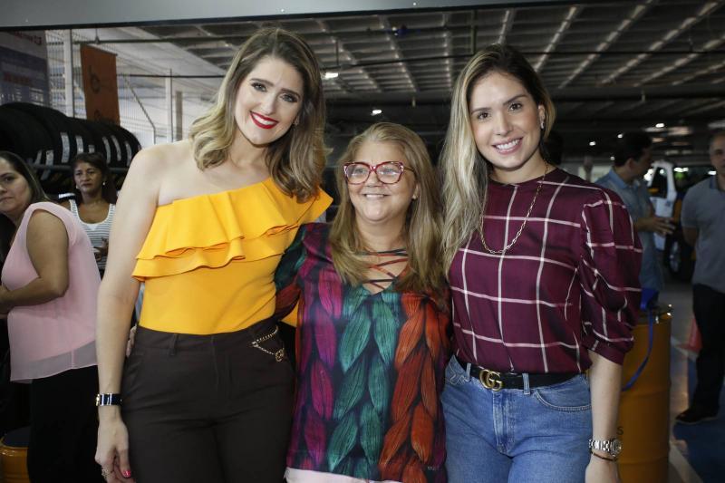 Rebeca Bastos, Angela Rodrigues e Thyane Oliveira