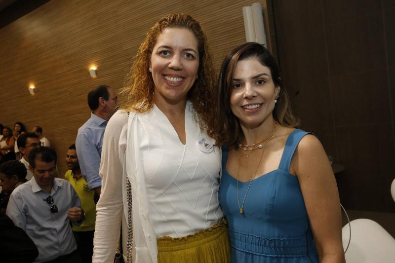 Ticiana Queiroz e Carol Bezerra