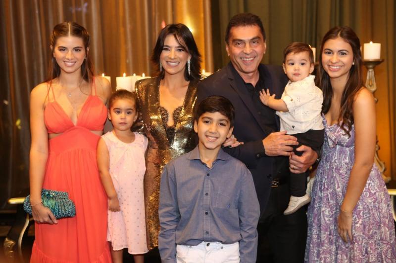 Ana Beatriz, Sophia, Maryana, Bruno, Idezio, Arthur e Ana Luisa Rolim