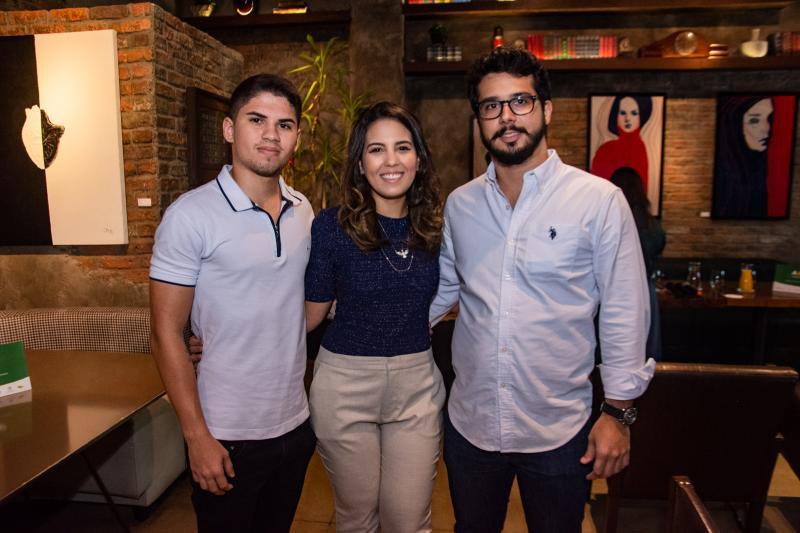 Iago Santos, Marcela Abreu e Rafael Fujita