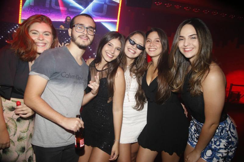 Thais Mindello, Arthur Figueiredo, Amanda de Bernardi, Livia Madeira, Emily Lopes e Tamy Cavalcante