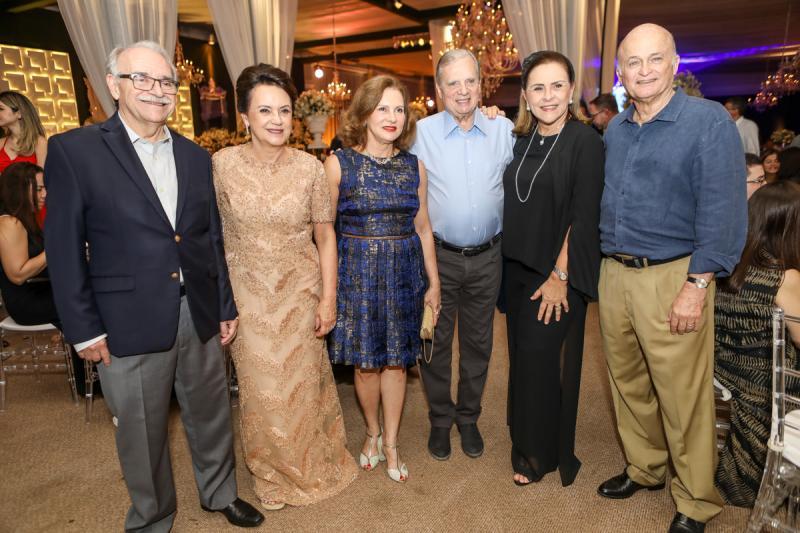 Ednilton e Leninha Soares, Renata e Tasso Jereissati, Beatriz e Lauro Fiuza
