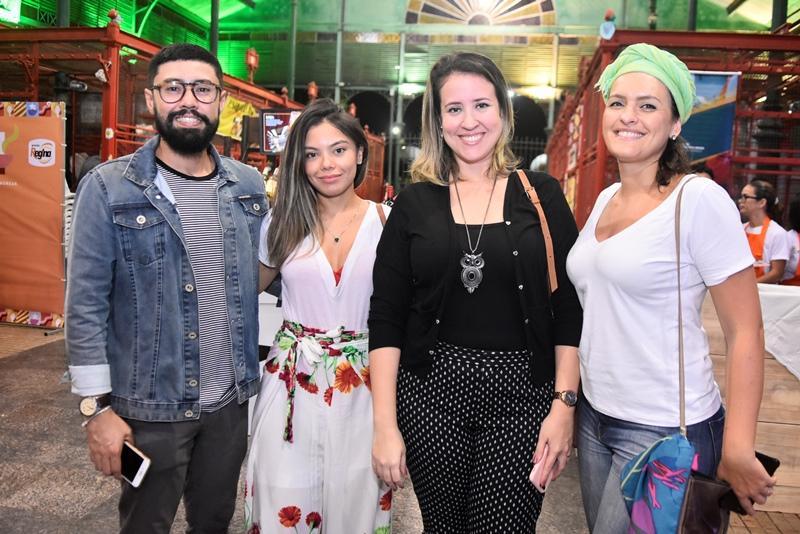 Diego Gregorio, Izabel Farias, Izakeline Ribeiro, Liliane Pereira