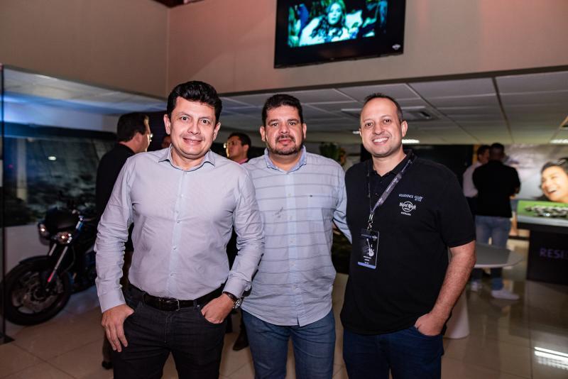 Ladislau Nogueira, Adriano Alves e Rodrigo Coli