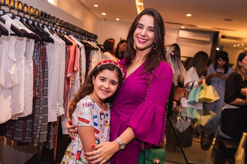 Katerine Simoes e Vivian Barbosa
