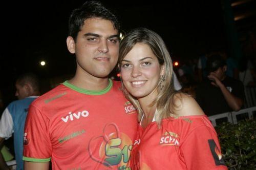 Neto Almeida e Alina Abreu