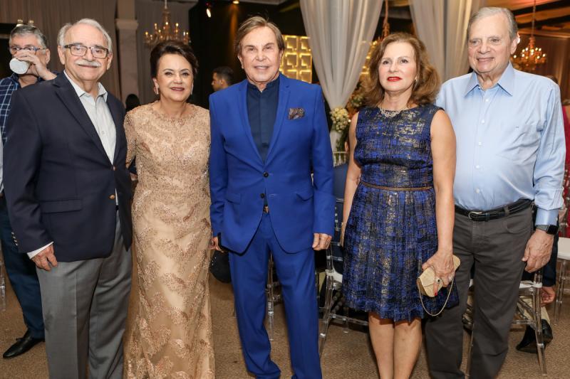 Ednilton e Leninha Soares, Lazaro Medeiros, Renata e Tasso Jereissati