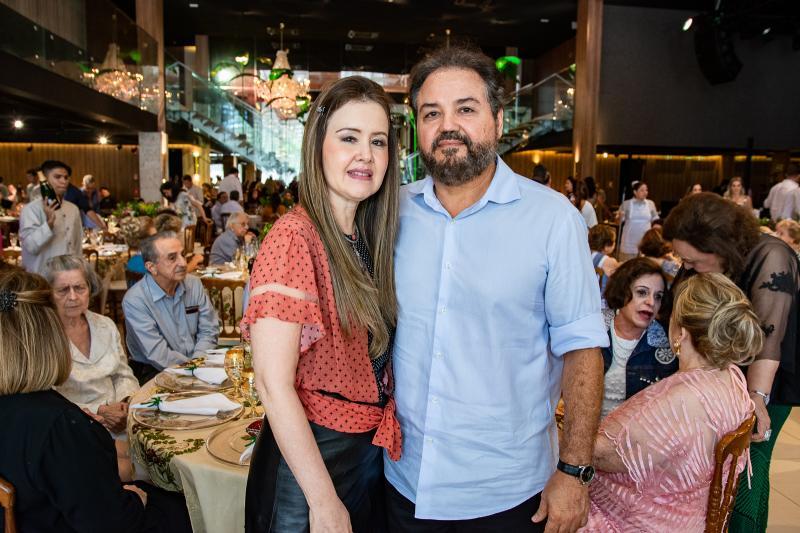 Liana Fujita e Thomaz Rocha