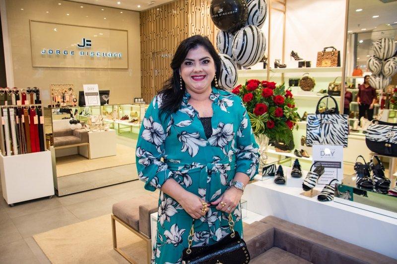 coleção Powerful - Viviane Almada arma Premier do Exclusive Day na Jorge Bischoff