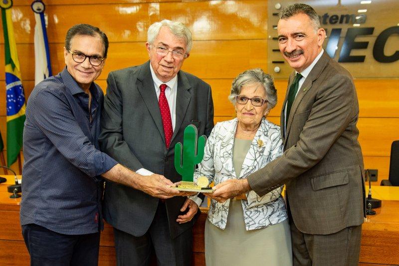 Roberto Macêdo é agraciado com o prêmio ambientalista Joaquim Feitosa