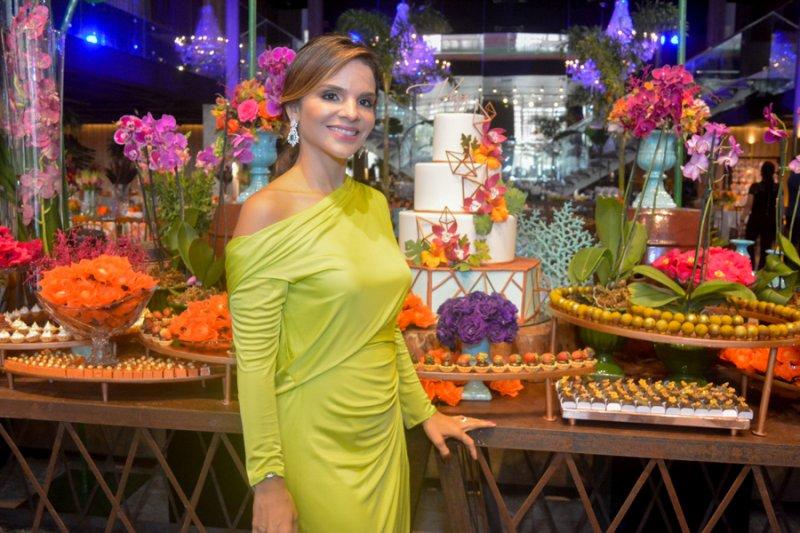 Viviane Martins 4.0  - Viviane Martins celebra, superbem, a nova idade em festa repleta de astral e alegria