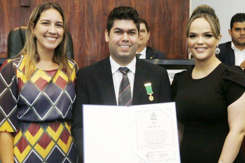 Carlos Mauro Benevides Neto recebe Medalha do Mérito Desportivo Ayrton Senna, em solenidade na CMFor