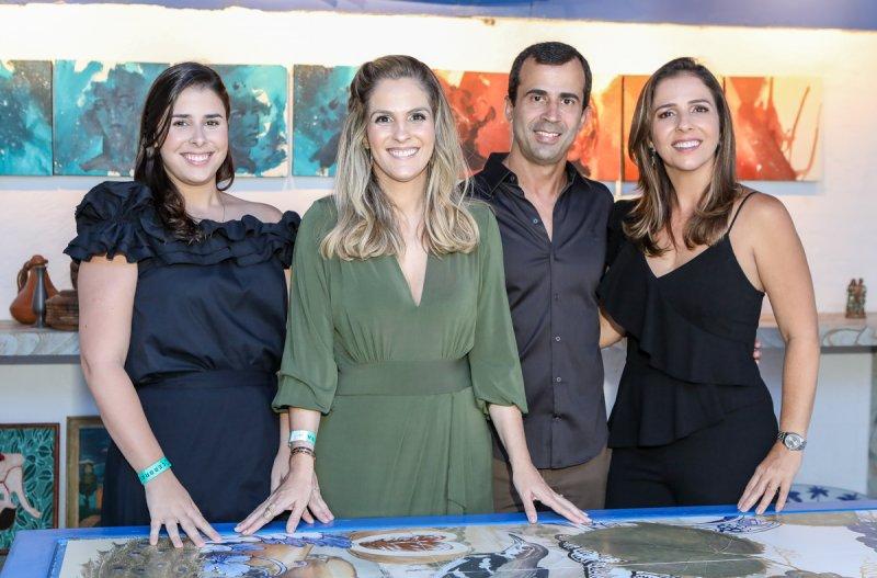 Mariana Mota celebra o primeiro ano de Cerbras na CasaCor com jantar no ambiente de Ney Filho