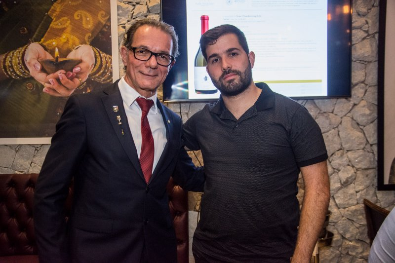 Casa Valduga - Felipe Rocha reúne convidados especiais em jantar harmonizado na Cavalieri Confraria