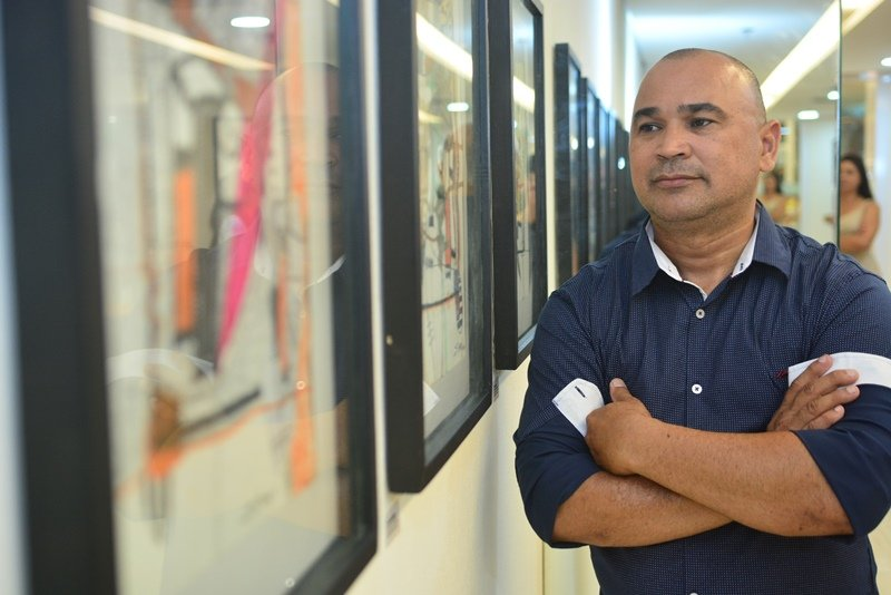 Trabalhos de Silvano Tomaz saltam aos olhos na abertura da Exposição Olhar Investigativo