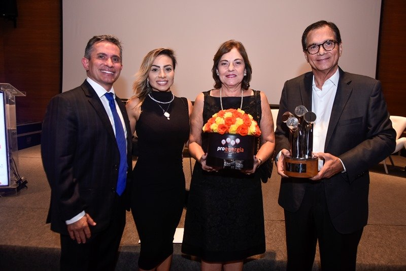 Beto Studart recebe homenagem na abertura do Proenergia Ceará 2019, no BS Design