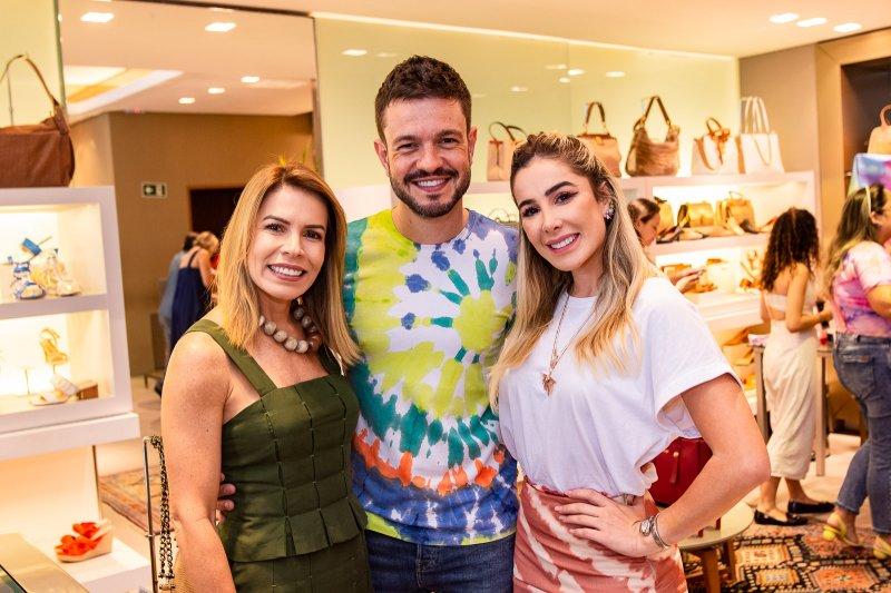 Maira e Priscilla Silva armam happening na Meia Sola para o lançamento da coleção capsula da Vinceza