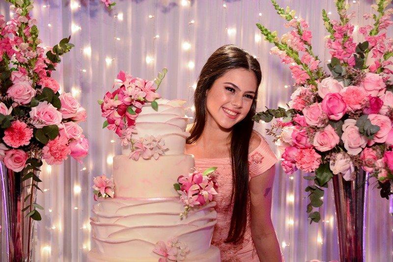 Hotel Gran Marquise serve de cenário linda festa de 15 anos de Lara Andrade