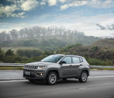 Jeep Compass linha 2018 com novidades e um integrante a mais