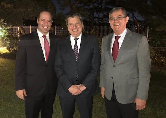 César Ribeiro prospecta investimento em Seul e janta com embaixador