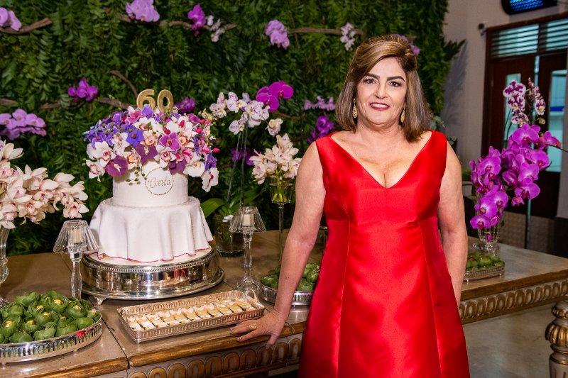 Carla Bezerra Lima celebra seus 60 anos em noite de puro requinte e elegância