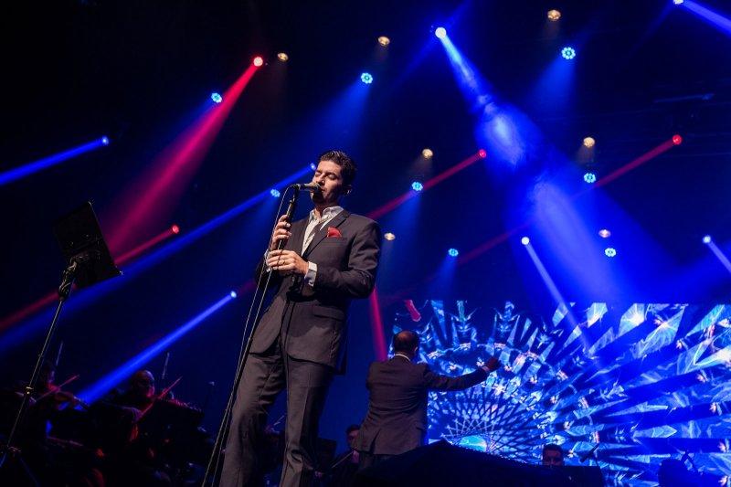 Paulo José Benevides solta a voz e encanta o público com um show extraordinário no Teatro RioMar
