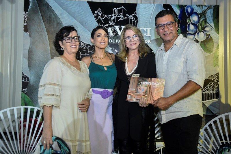 CasaCor Ceará serve de cenário da sessão de autógrafos do livro de Pedro Ariel Santana e dos 8 anos da La Vinci