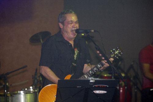 Mr Babão bota pra quebrar no Mucuripe Club, em Fortaleza.