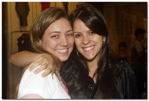 Tatiana e Uliana Machado receberam suas amigas e clientes para drinks na Anamac