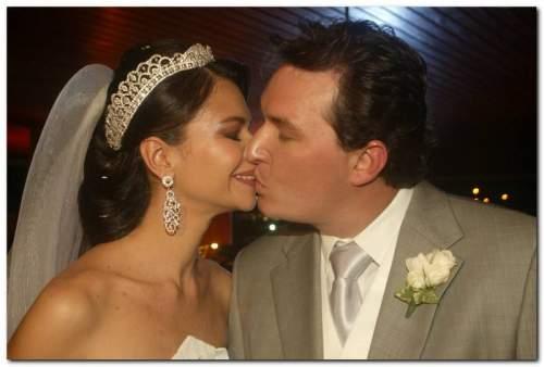 A festa de casamento de Marcella Lima e Dinarte Freitas foi impecável!