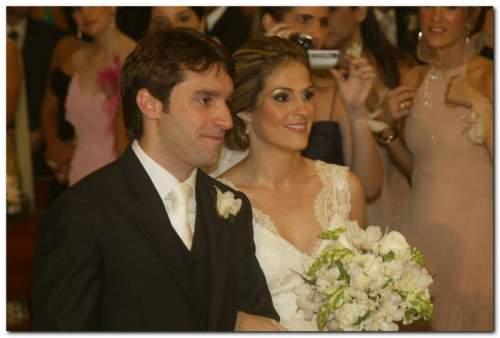 Mariana Mota e Francisco Marinho Vasconcelos se casaram na Igreja Nossa Senhora de Lourdes, em Fortaleza.