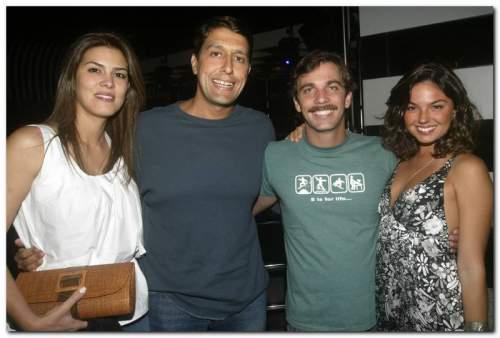 Marcelo Faria e Isis Valverde roubam a cena no Seven Dinner Club.