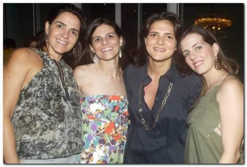 Flávia e Marília Machado reuniram os amigos mais chegados  para comemorar seus aniversários, neste sábado(1), no novo endereço de Eliane e Jaime Machado