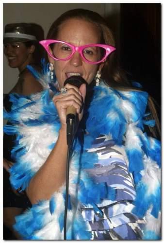 Denise Pinheiro deu uma festa de arromba no Bardot.