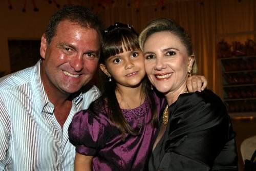 Graça e Jório da Escóssia festejam os 6 aninhos da herdeira Gabriela.