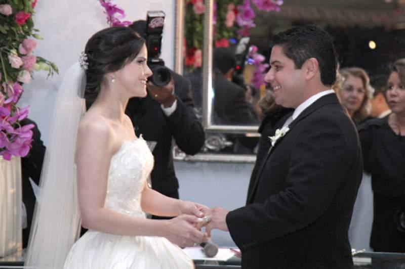 comme il faut - Marília Quintão e Pompeu Vasconcelos se tornam marido e mulher durante cerimônia, seguida de recepção, no La Maison Coliseu